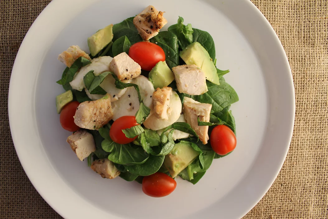 Caprese Salad with Chicken
