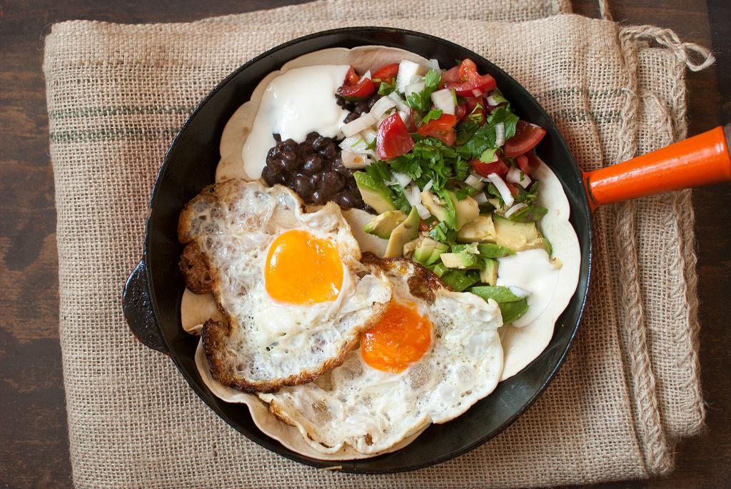 Cinco de Mayo Huevos Rancheros